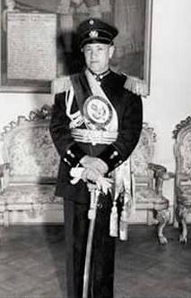 Il generale Gustavo Rojas Pinilla, Presidente della Colombia fra il 1953 e il 1957 grazie a un golpe militare e candidato alle elezioni del 1970