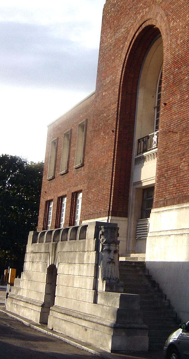 Hammersmith town hall2.jpg