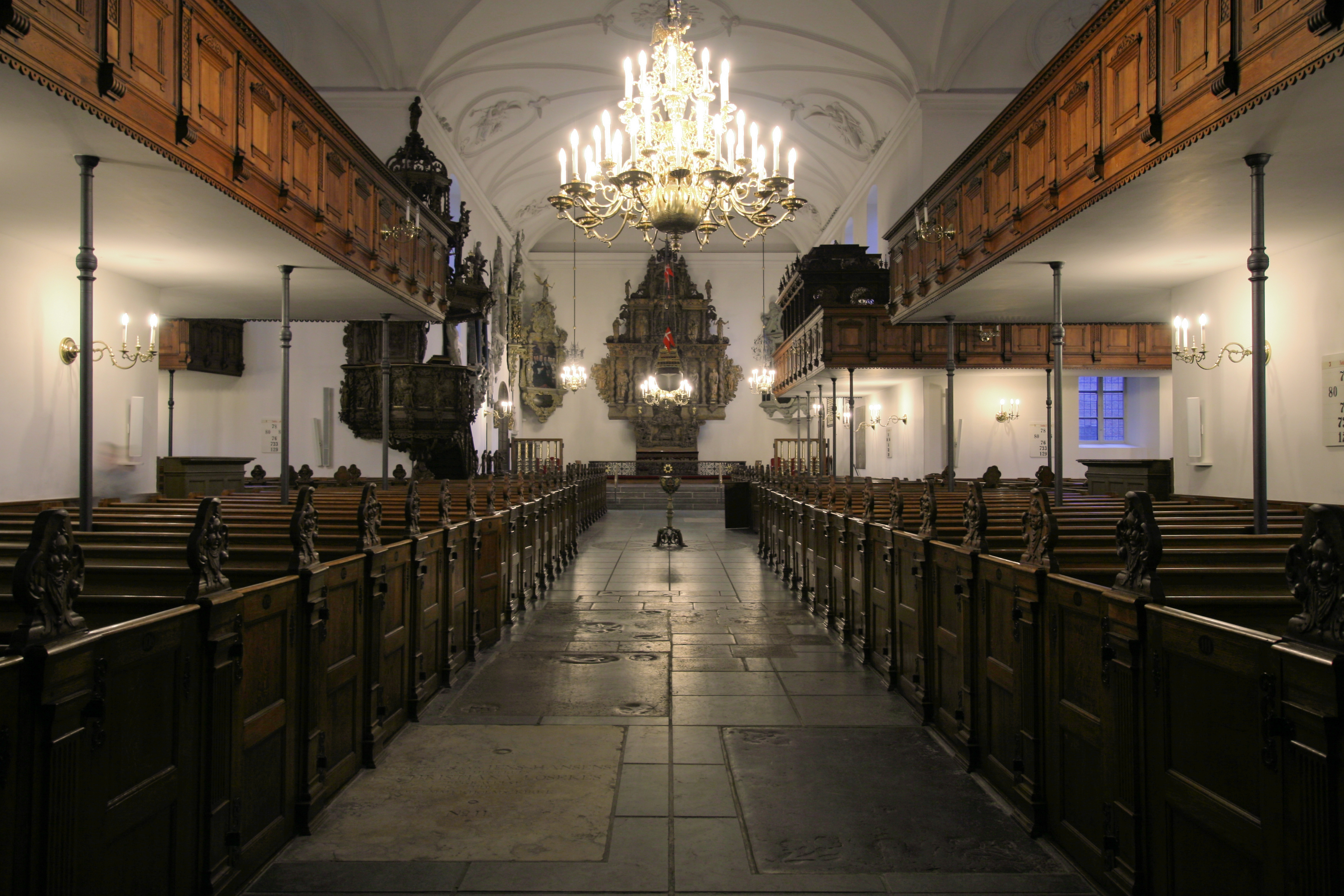 File:Holmens Kirke Copenhagen interior2.jpg - Wikimedia Commons