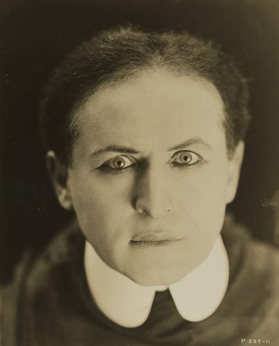 File:Houdini custom.jpg