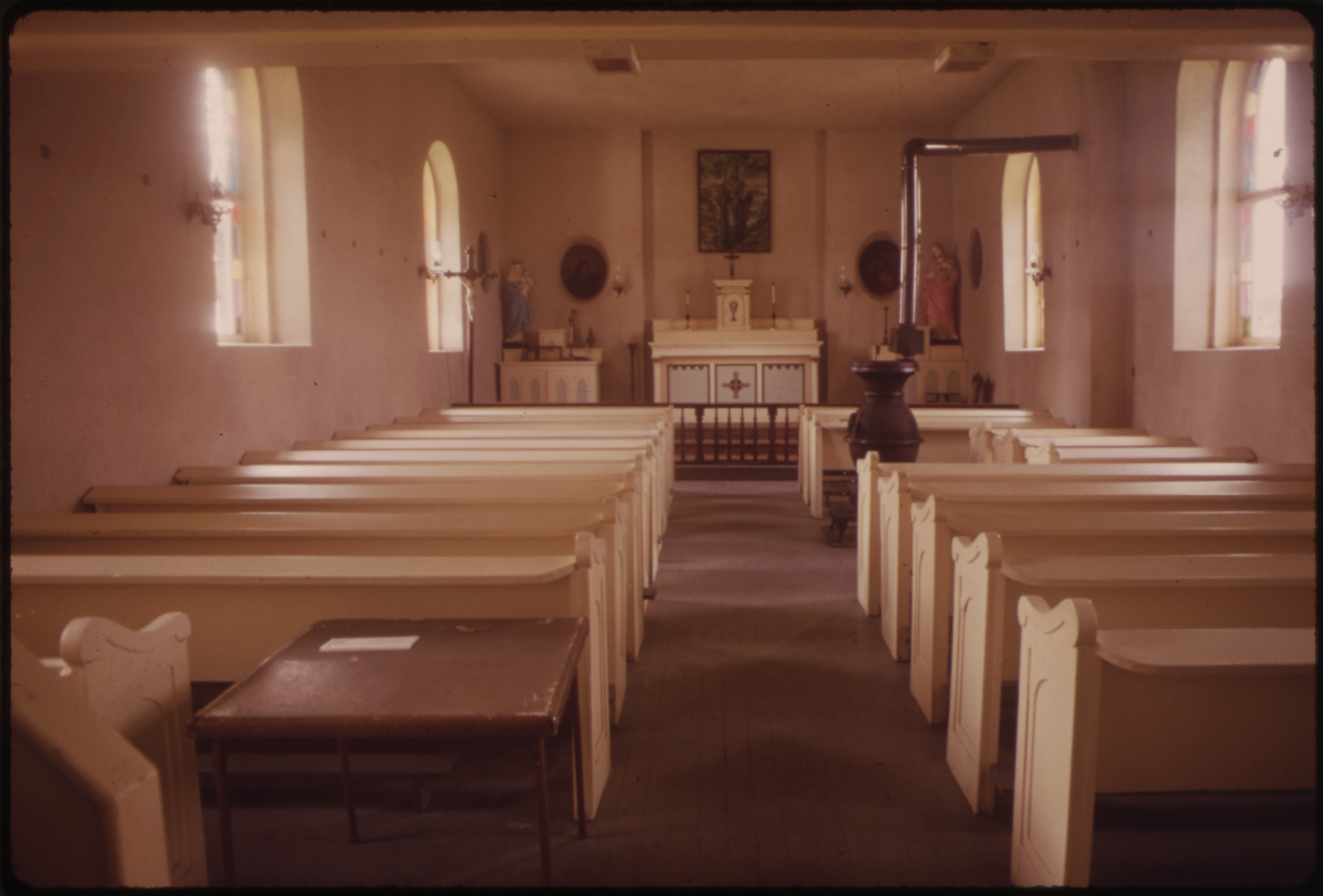 File:INTERIOR OF SMALL CHURCH IN KICKAPOO - NARA - 552473 ...