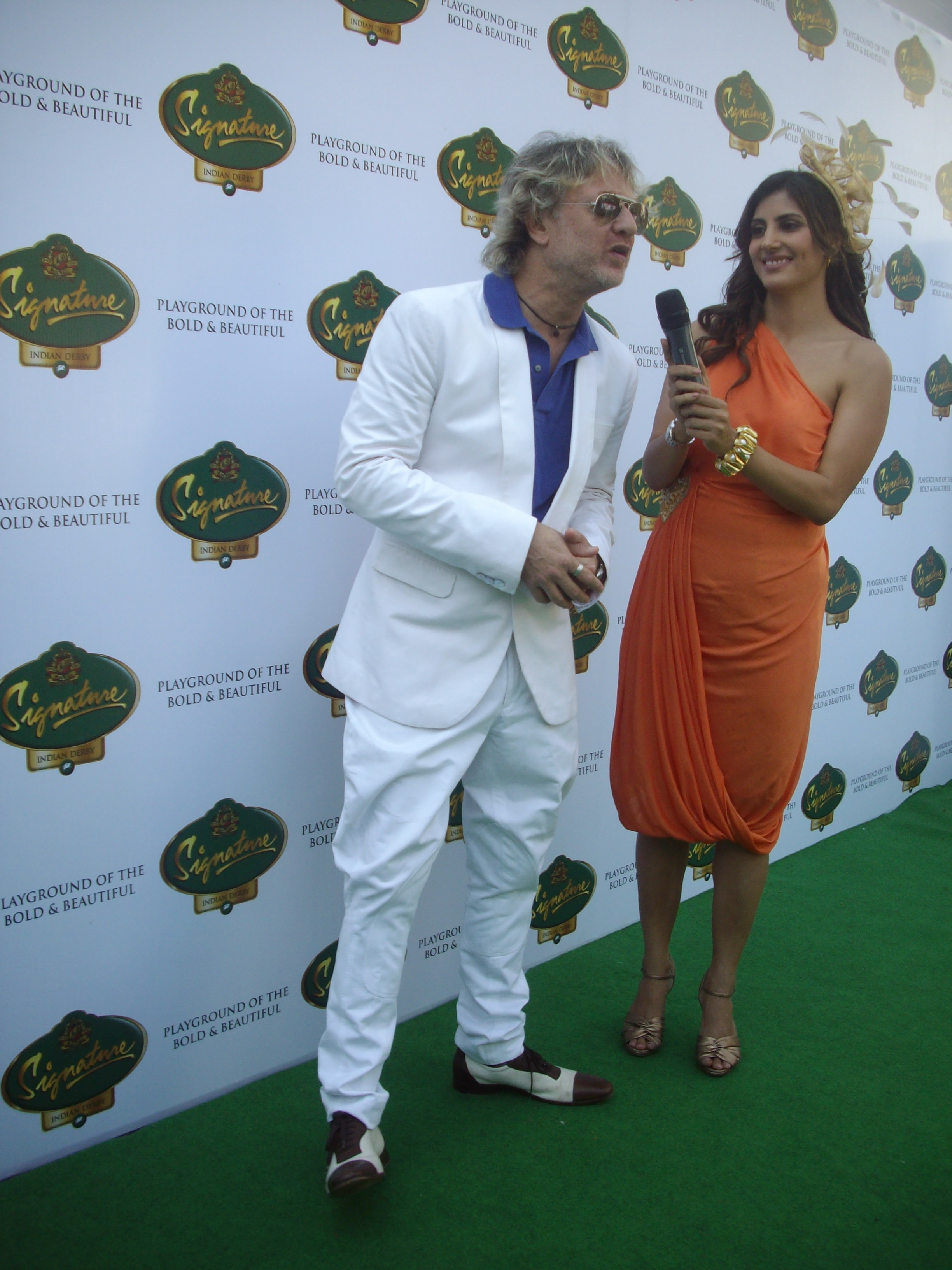 File India S Flambouyant Fashion Designer Rohit Bal At Mcdowells Indian Derby 2011 Jpg Wikimedia Commons