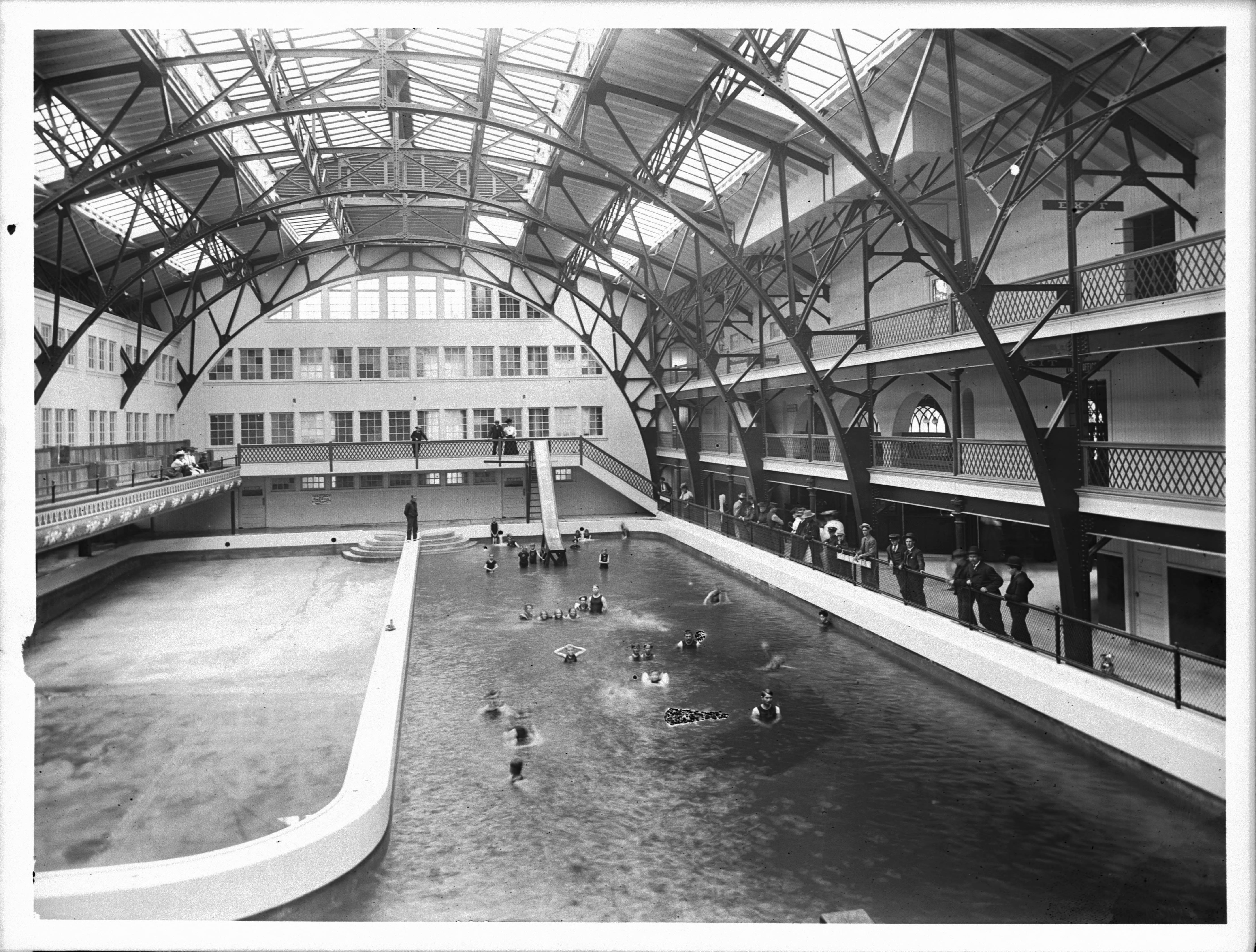 File Interior View Of The Ocean Park Bath House Ca 1905