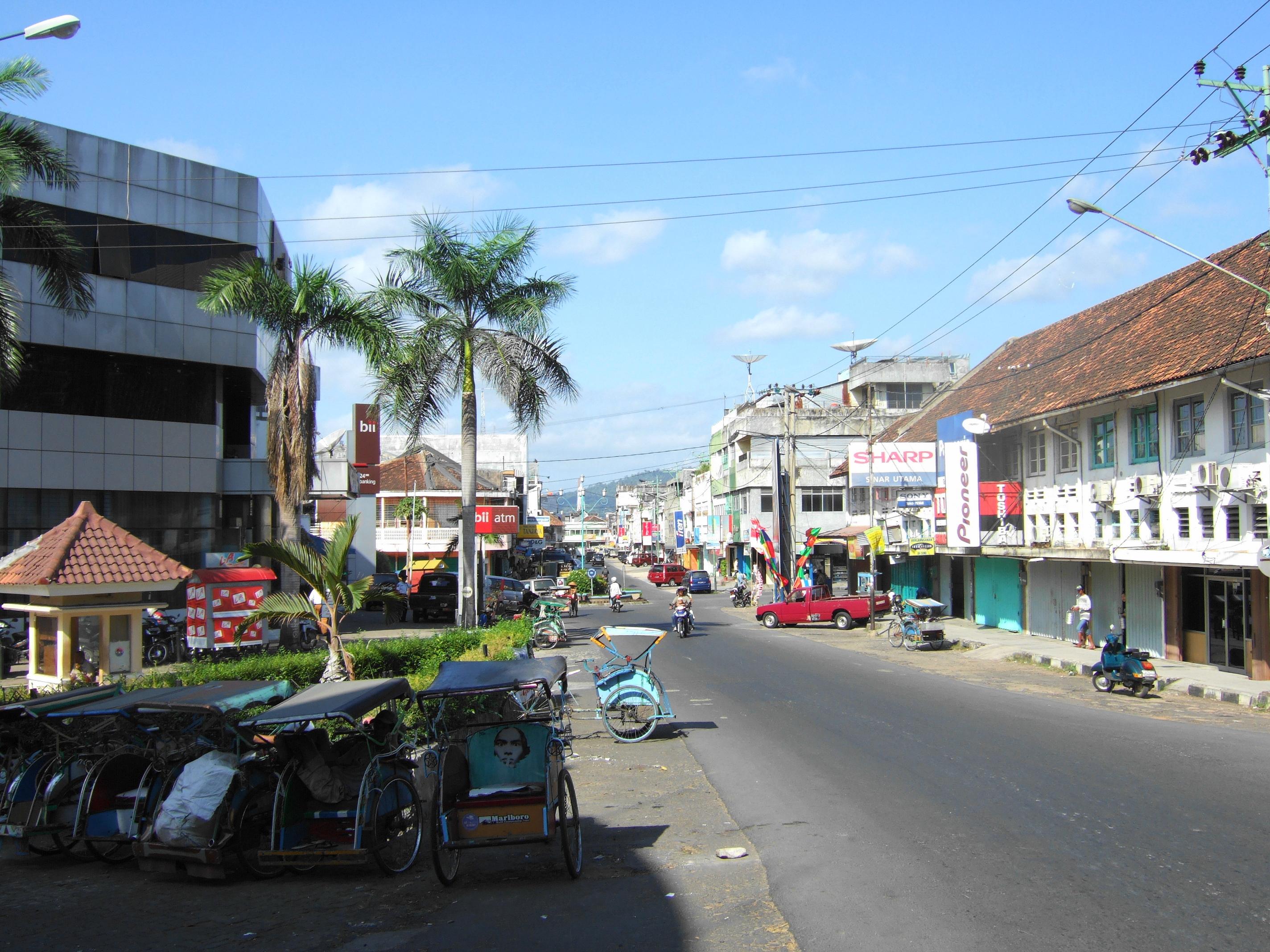 bandar lampung chat sites Bandar lampung: bandar lampung, kota (city), capital of lampung propinsi (or provinsi province), indonesia it lies at the head of lampung bay on the south coast of the island of sumatra.