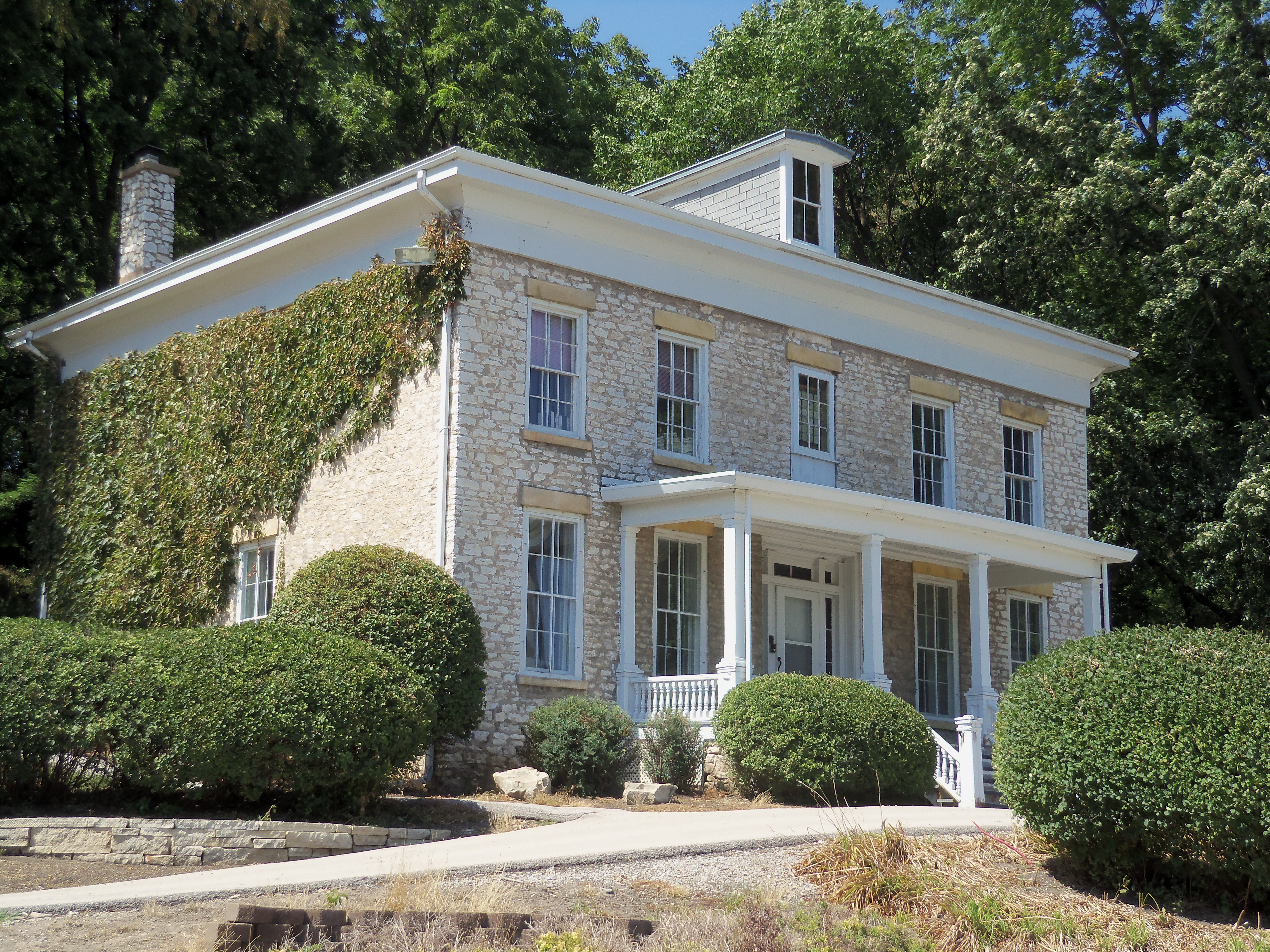 House Pic Captivating With James Brown Mansion House Photo Images Image