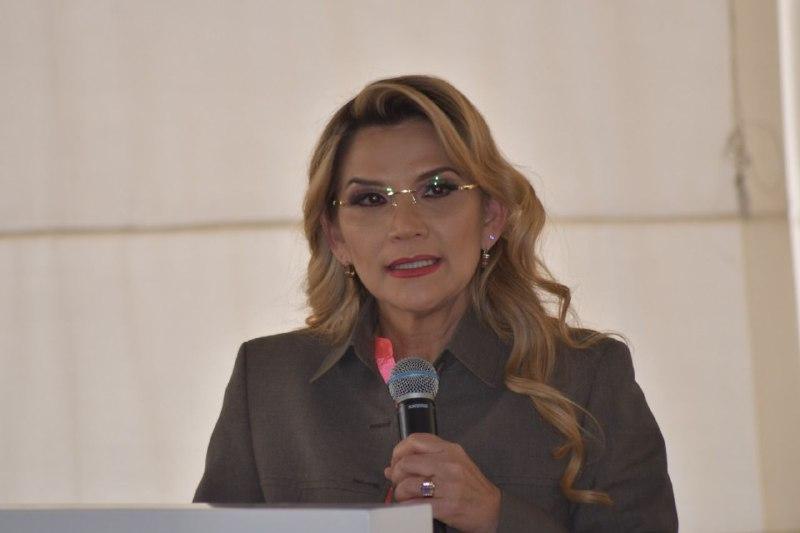 Jeanine Áñez foto.jpg