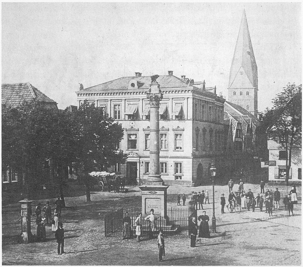Kamen Markt Rathaus Pauluskirche 1885.jpg
