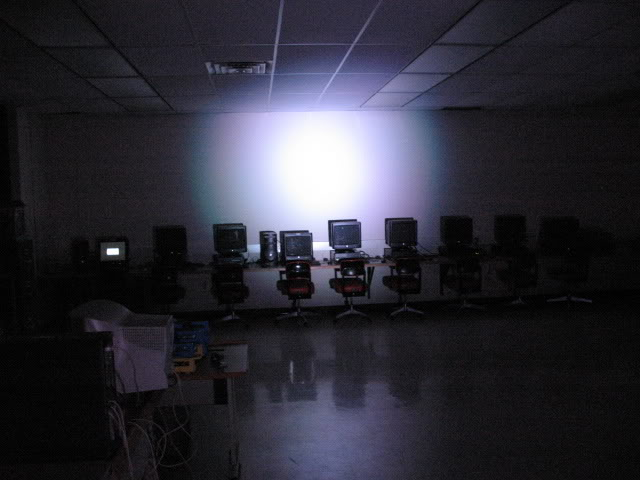 File:LED stage lighting - 64 LED Pro vs GE 300w medium - LED alone.jpg
