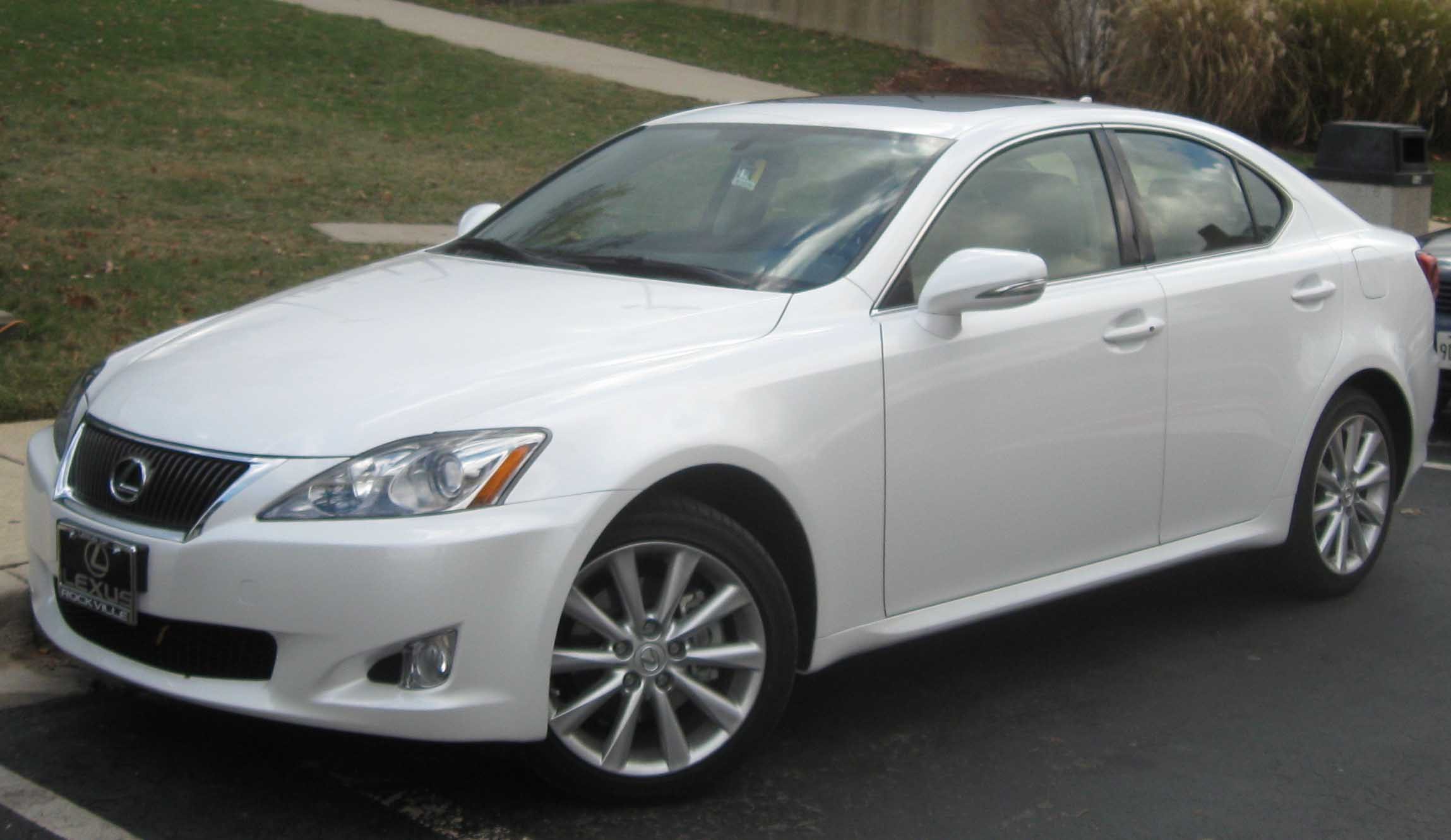 File:Lexus IS250 AWD .jpg - Wikimedia Commons