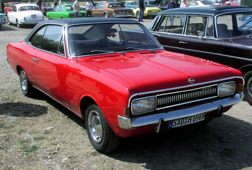 customs OPEL - Page 3 MHV_Opel_Commodore_A_Coup%C3%A9_01