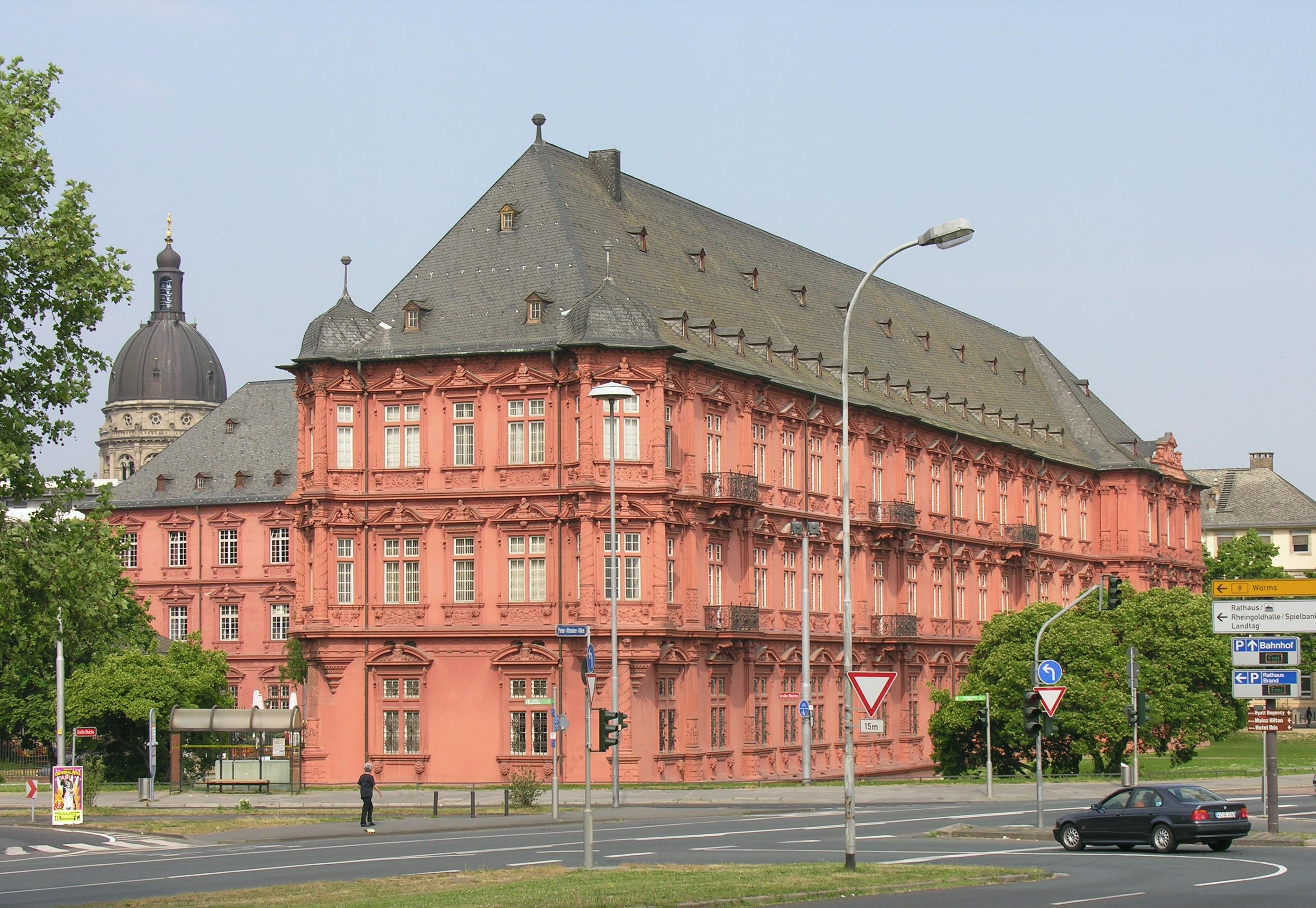 File Mainz Das Kurf Rstliche Schloss Zu Mainz An Der