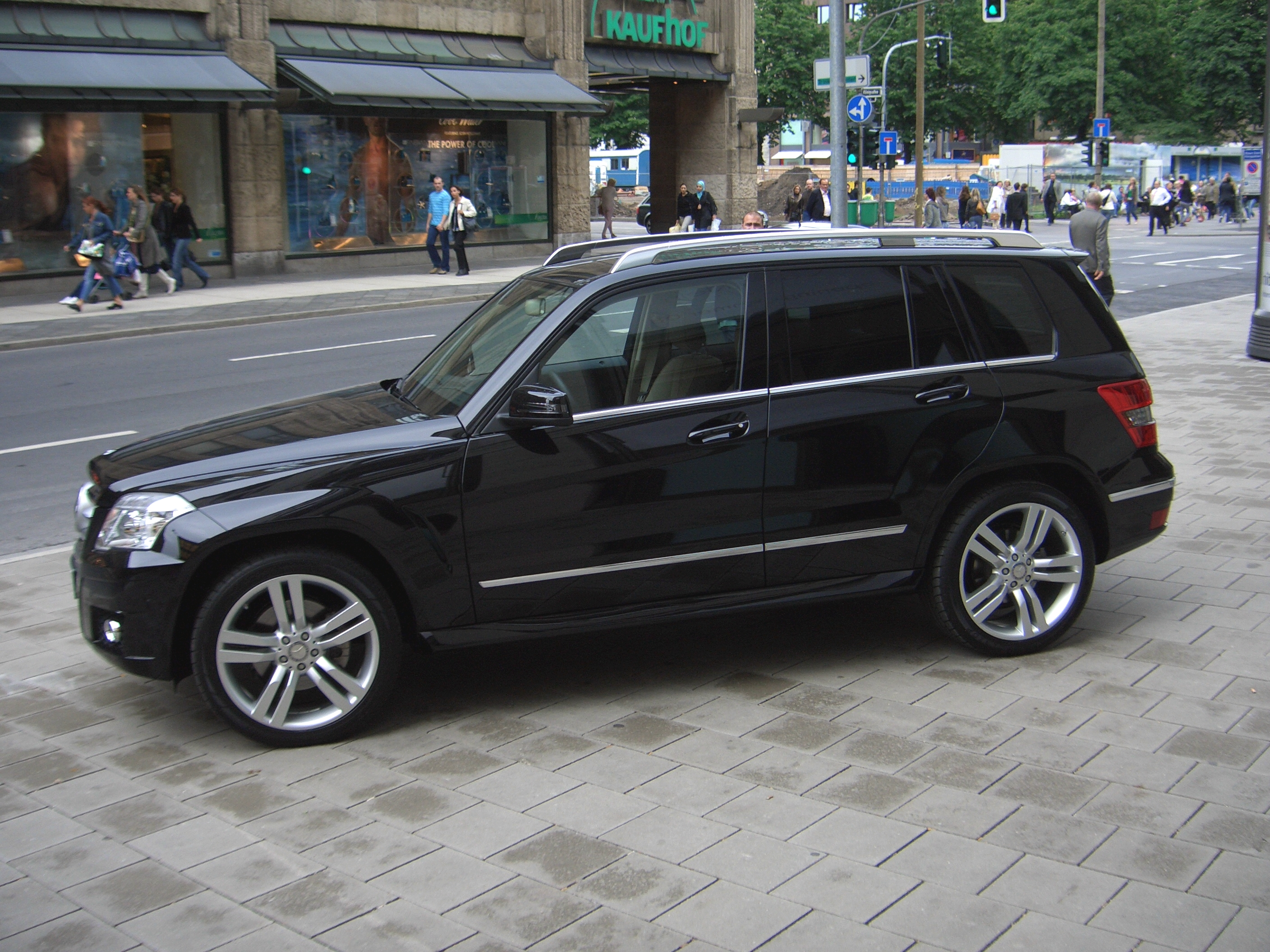 File mercedes benz glk 350 4matic x204 from 2008 sideleft 2008 07