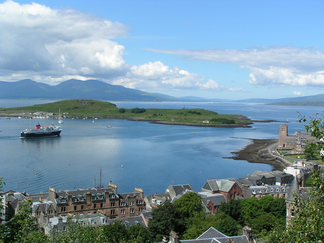 Mull ferry leaving Oban Bay - geograph.org.uk - 204087