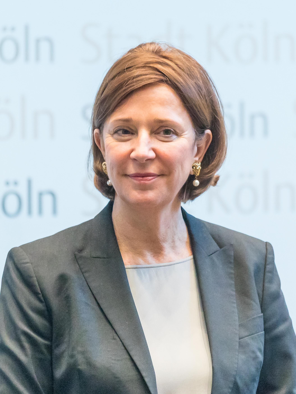 Pförtner geburtsdatum silvia Sylvia Pförtner