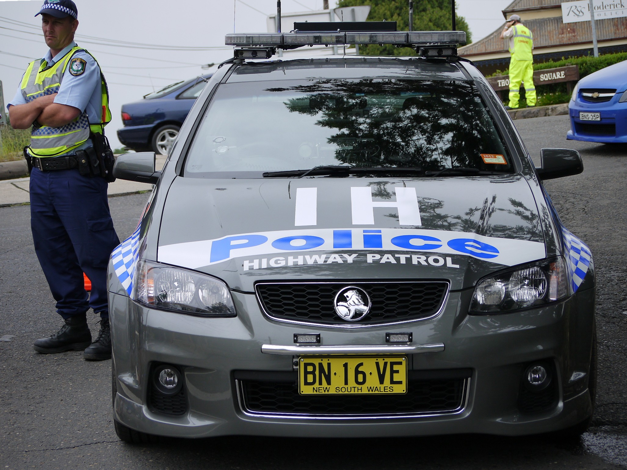 File:NSW Police Force Traffic and Highway Patrol Command Hills 211