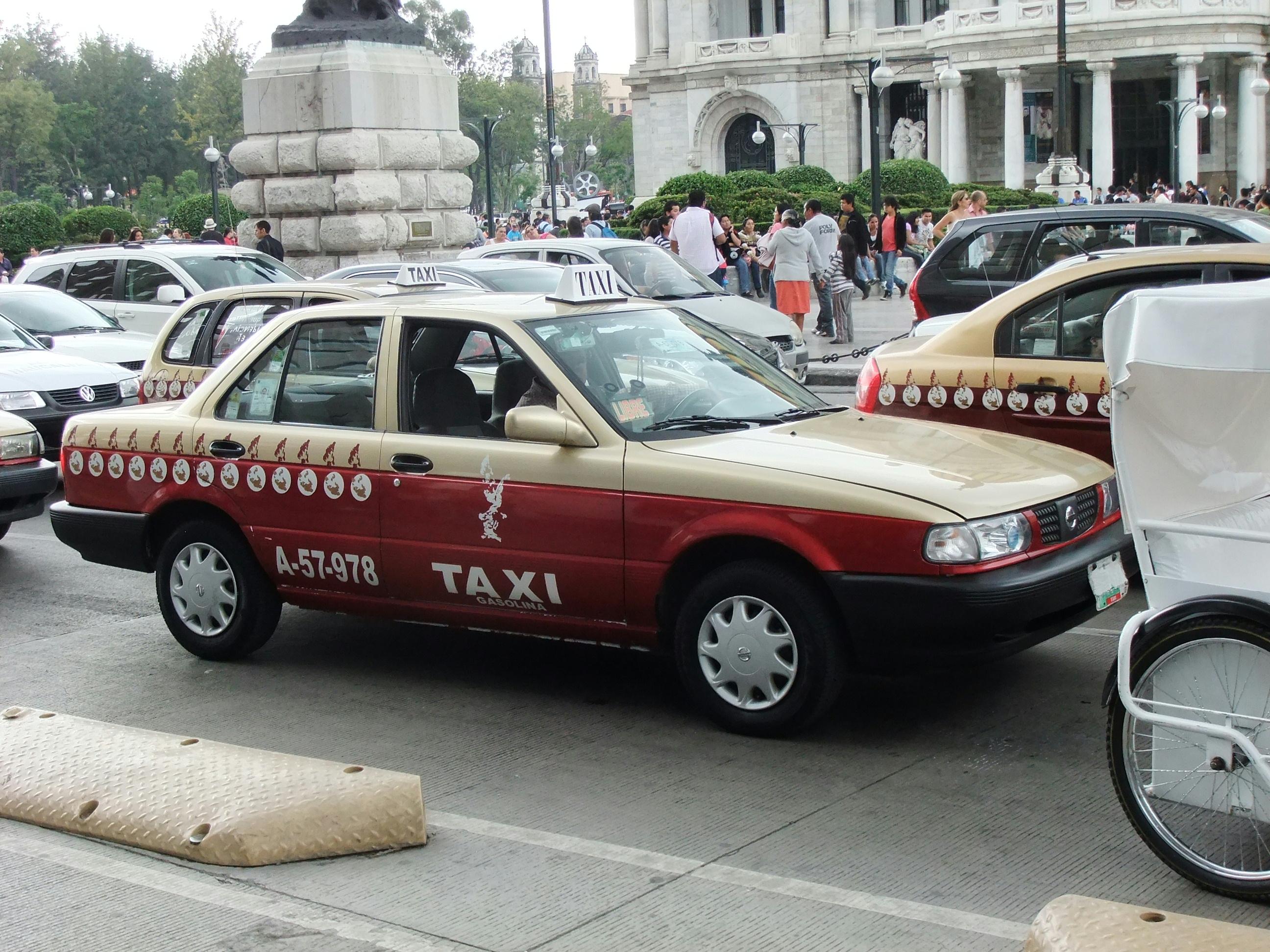 File Nissan Tsuru Mexcio City Taxi Jpg Wikimedia Commons
