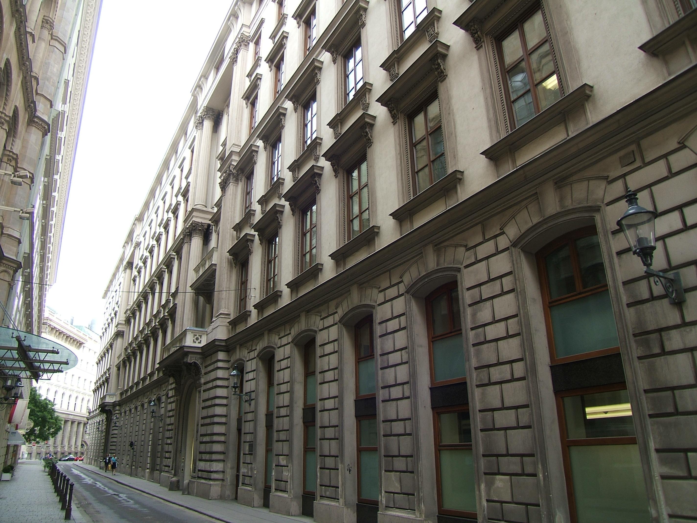 Palais Montenuovo-Strauchg 1-3.JPG