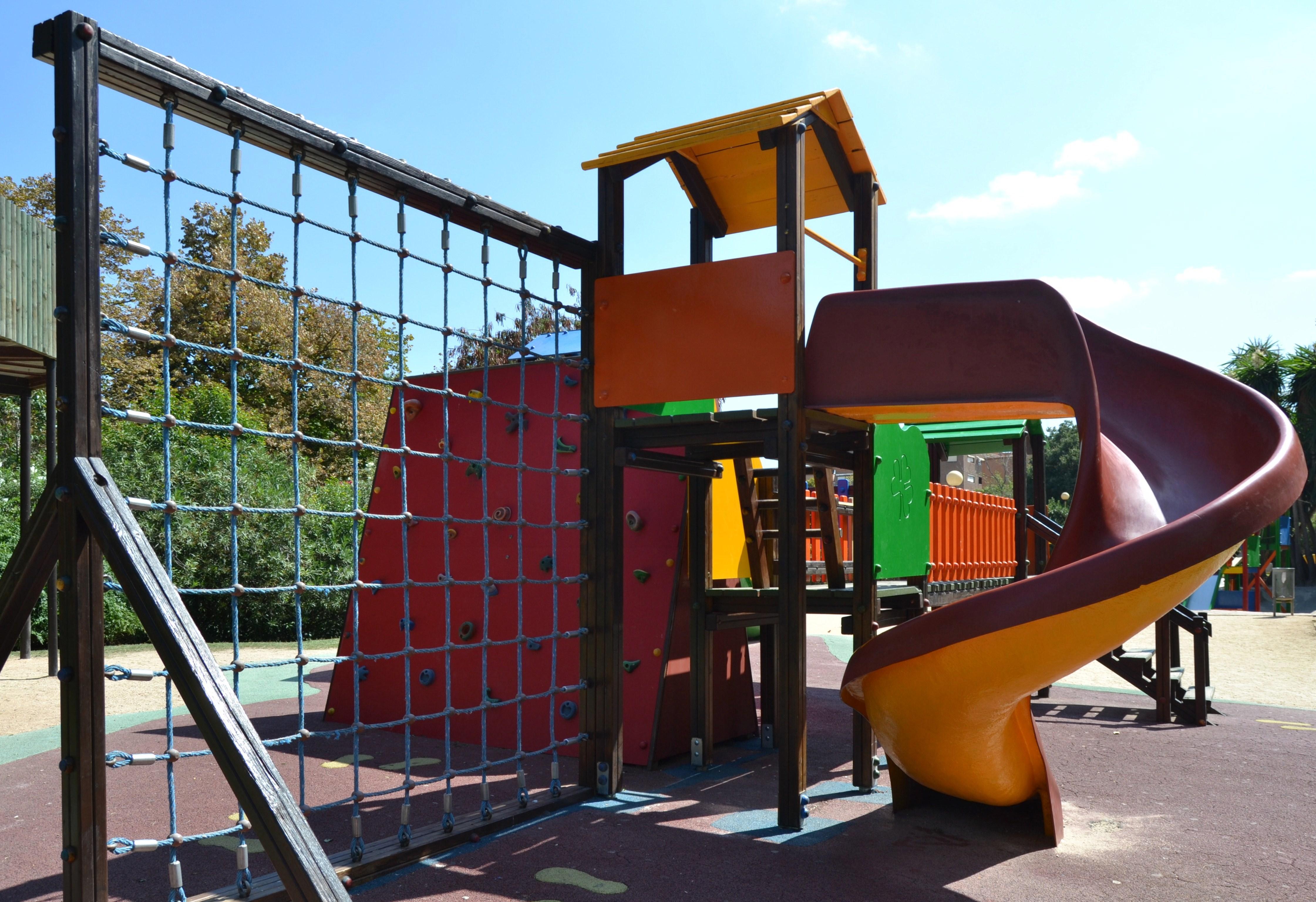 Fitxer parc de jocs infantil parc de benicalap jpg for Piscina parque benicalap