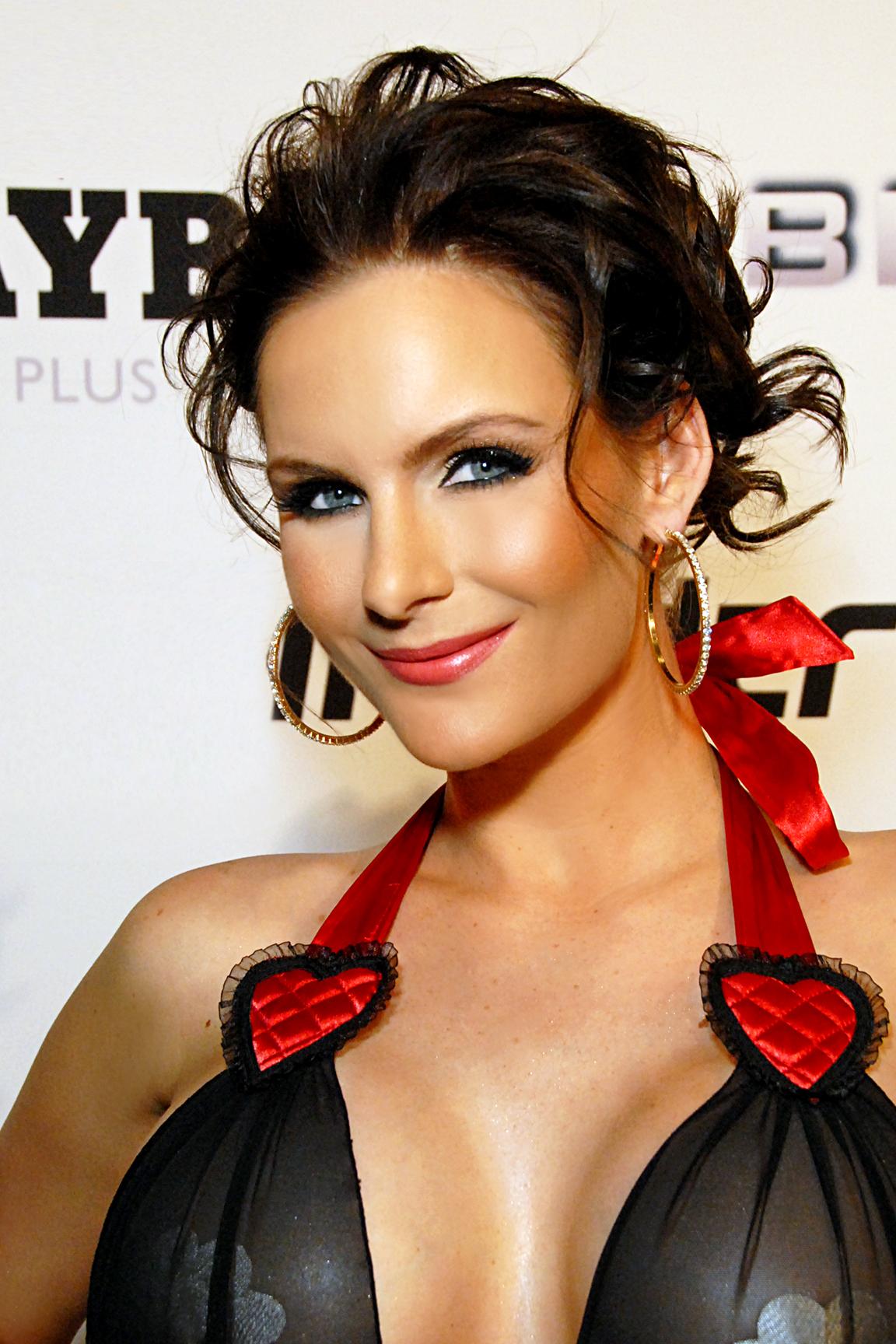 Phoenix Mary Porn Star