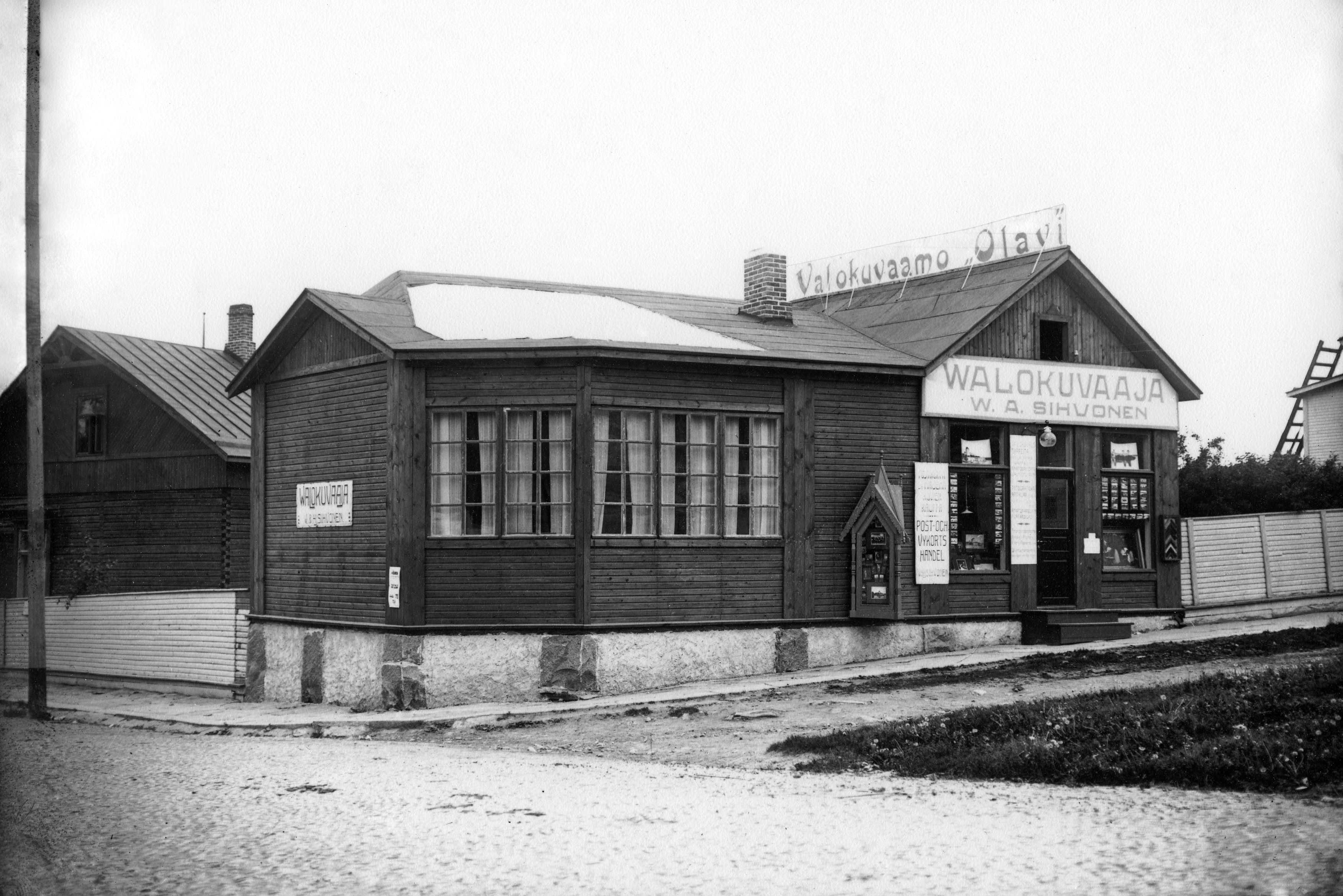 Photography studio Olavi of V. A. Sihvonen in Savonlinna.jpg