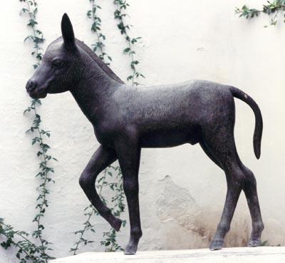 Estatua de Platero en Casa Museo J.R.J. de Moguer.