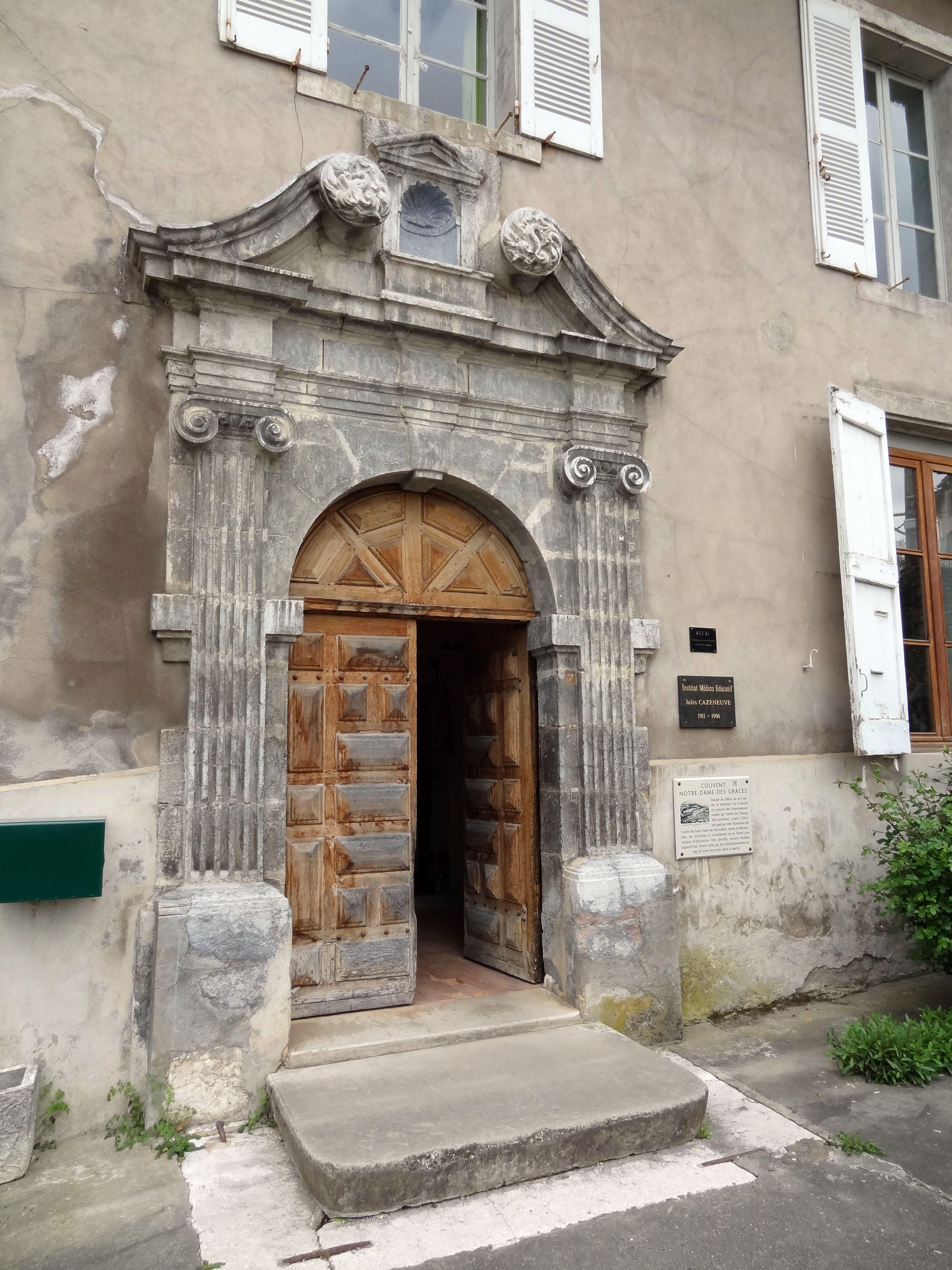 File porte du couvent notre dame des gr ces de tullins 01 - Mise a la porte du couvent ...
