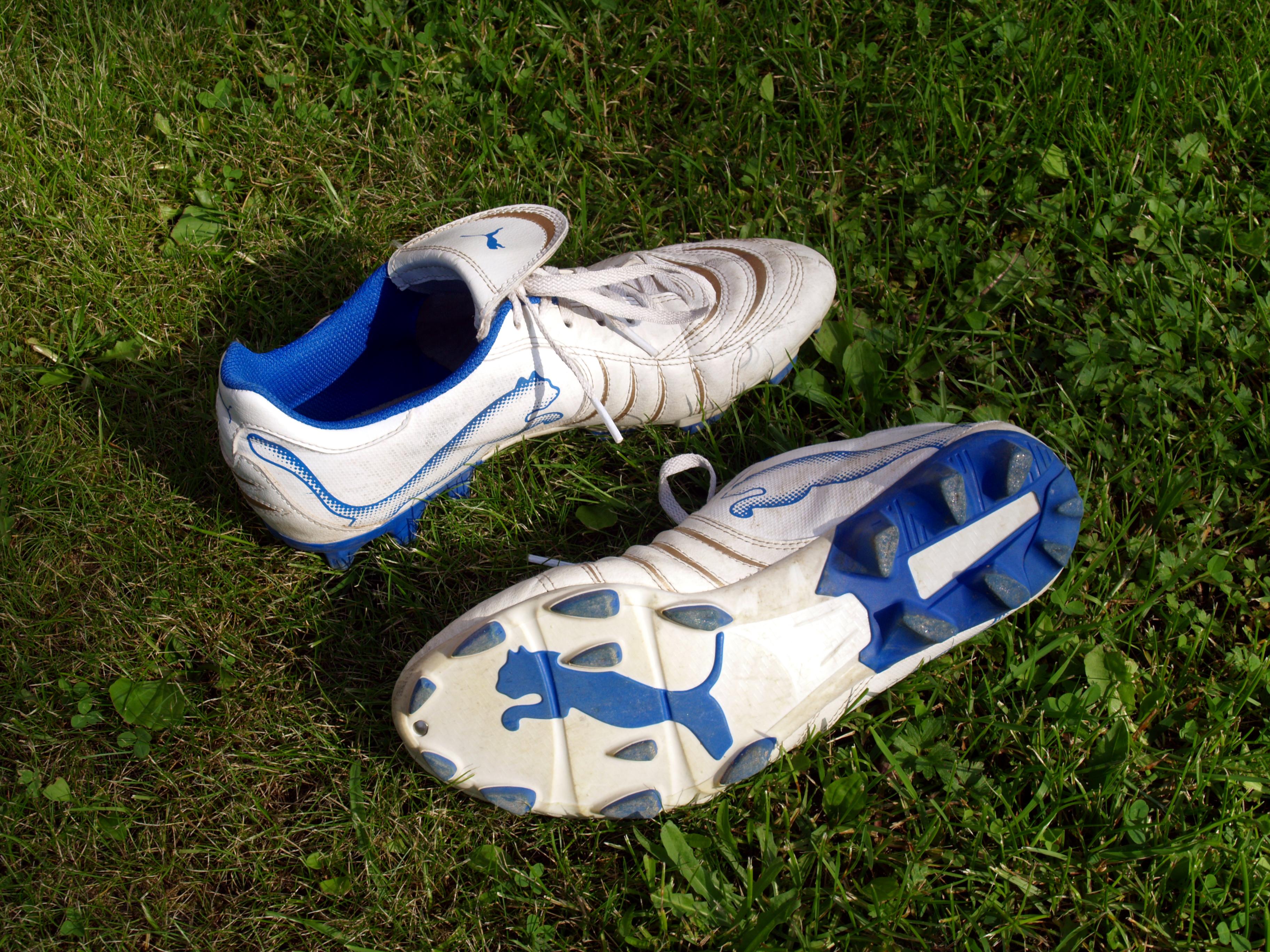 File:Puma association football shoes.jpg Wikimedia Commons