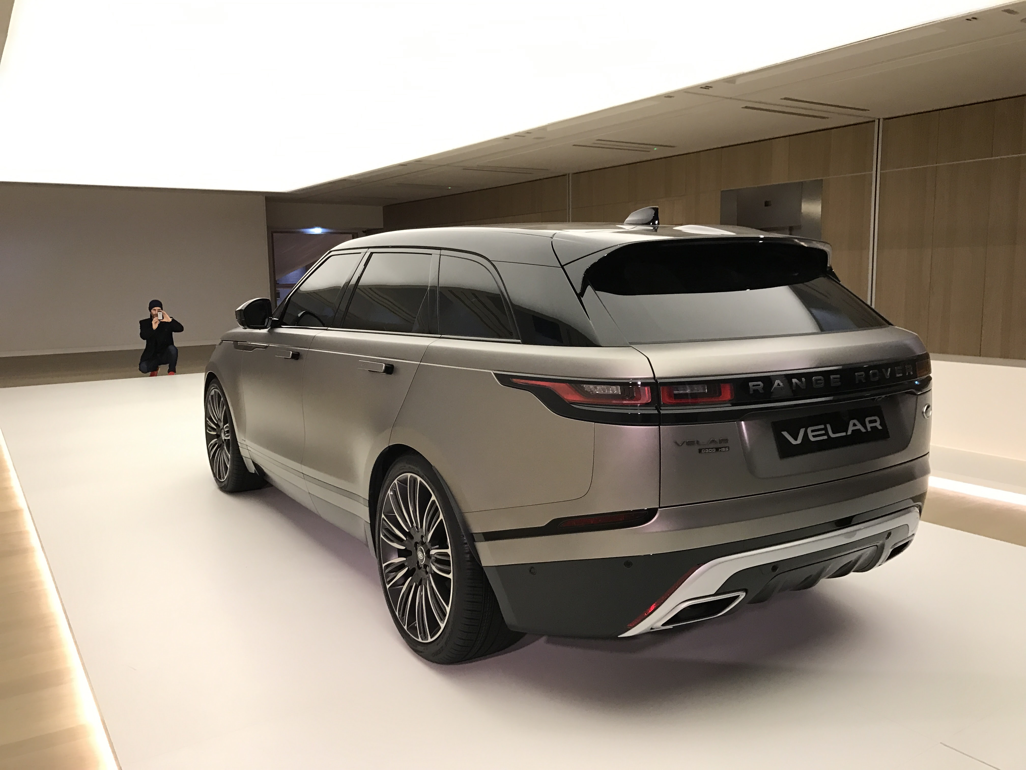 file range rover velar rear wikimedia commons. Black Bedroom Furniture Sets. Home Design Ideas