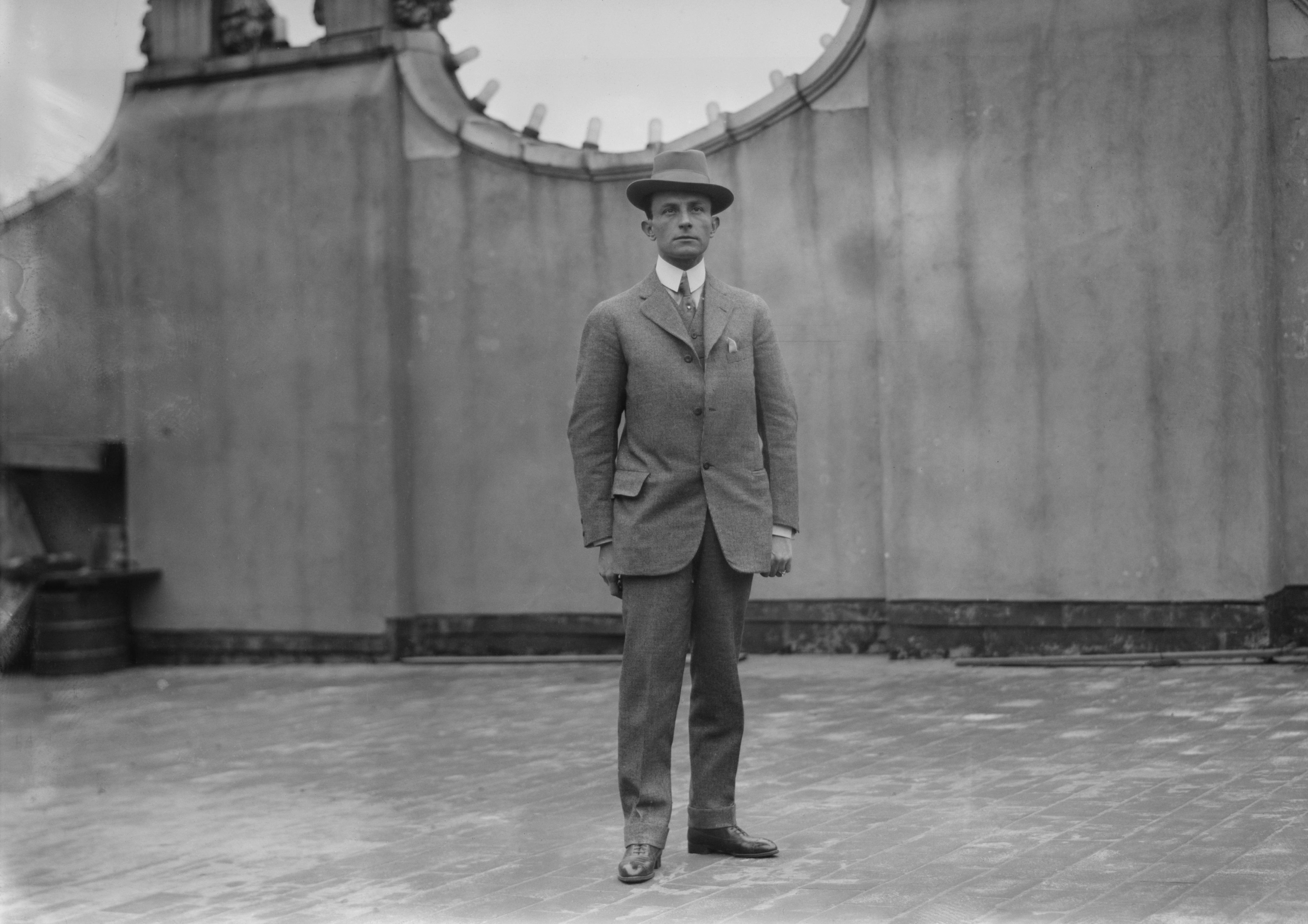 Roberto V. Pesqueira