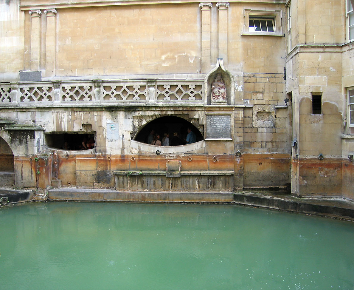 roman empire roman bath houses There were 170 baths in rome during the reign of augustus and by 300 ad that number had increased to over 900 baths the romans loved washing and bathing and rather it being done in private, the romans built magnificnt public bath houses in towns across their empire.