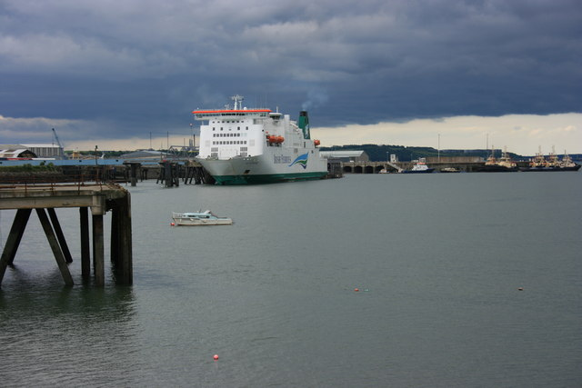File:Rosslare ferry at Pembroke Dock - geograph.org.uk - 1369988.jpg