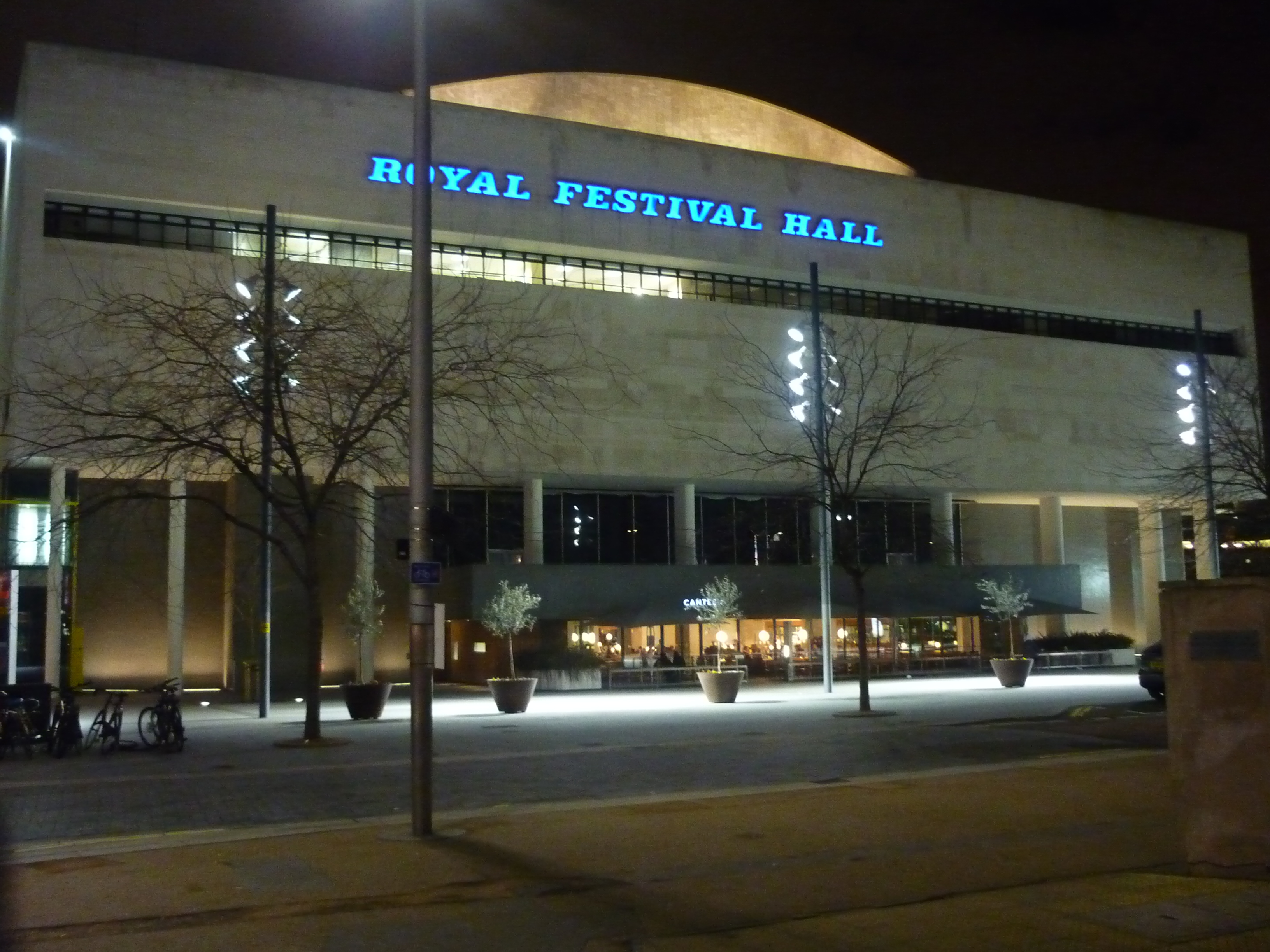 Magnificent Royal Festival Hall London 3264 x 2448 · 2437 kB · jpeg