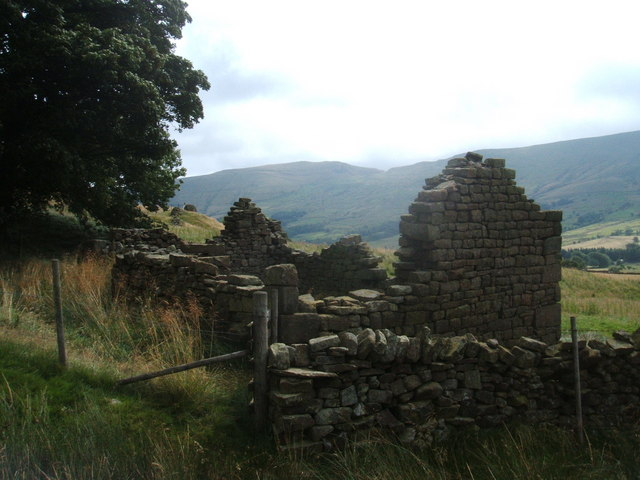 Ruined barn near Upper Booth, Edale Valley - geograph.org.uk - 1443786