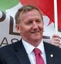 Scottish Labour candidate for Cowdenbeath signs the pledge (cropped).jpg