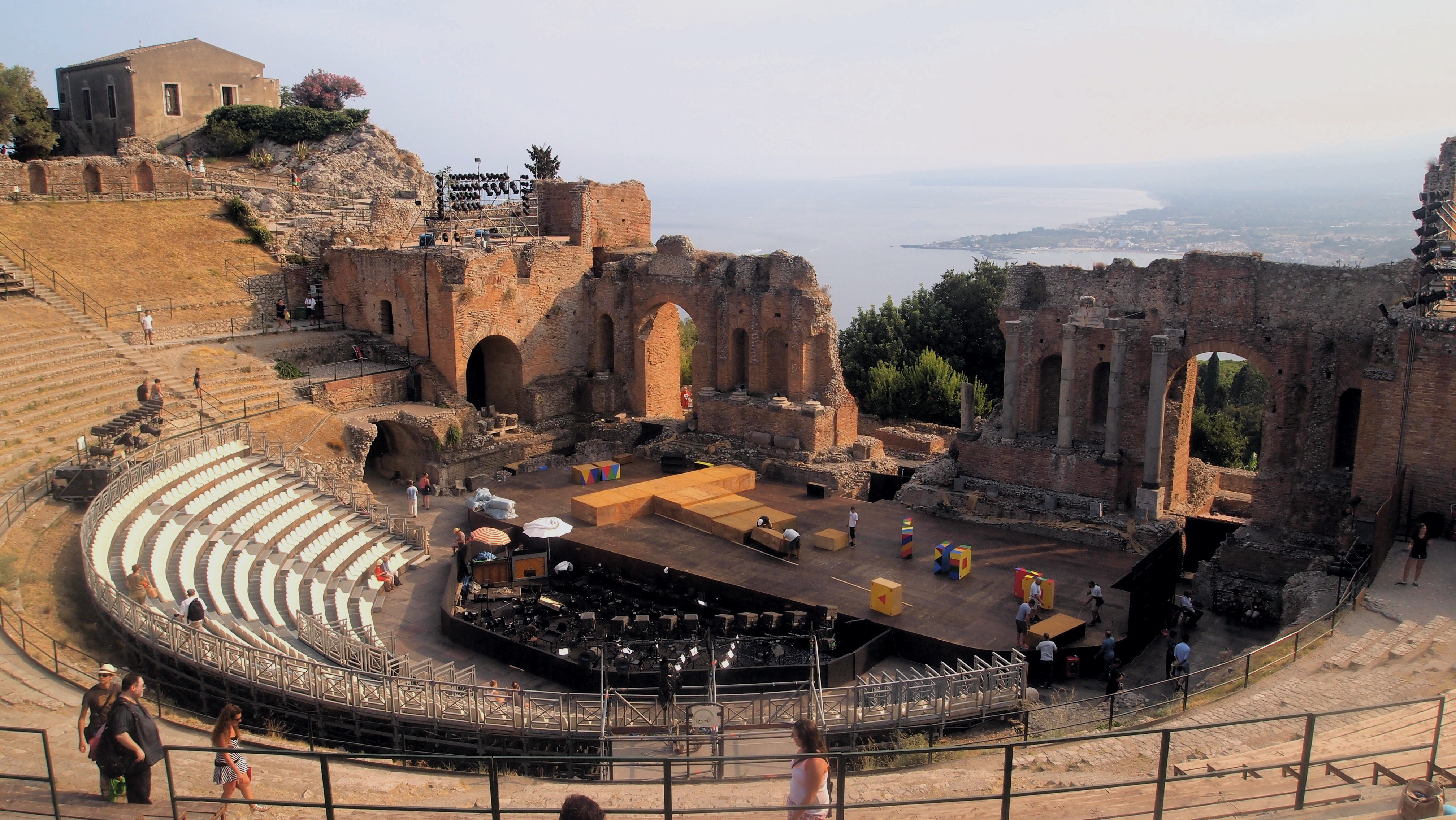 Risultati immagini per teatro antico di taormina