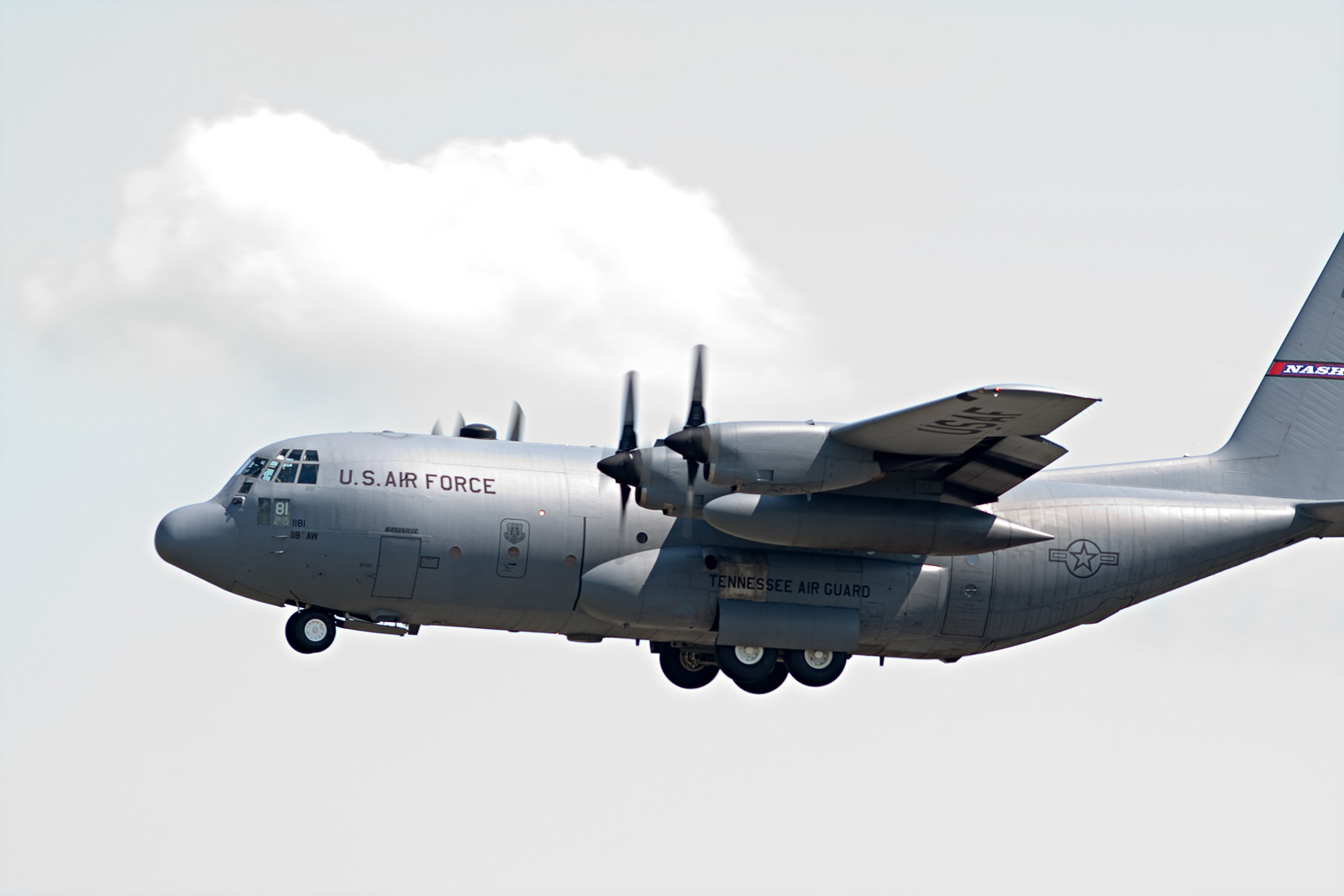 "File:Tennessee ANG - Lockheed C-130 ""Music 81"" - s n 89"