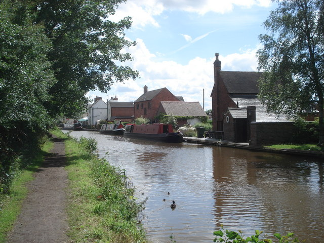 The Worcester & Birmingham Canal at Stoke Works From opposite the Boat and Railway pub looking southwards.