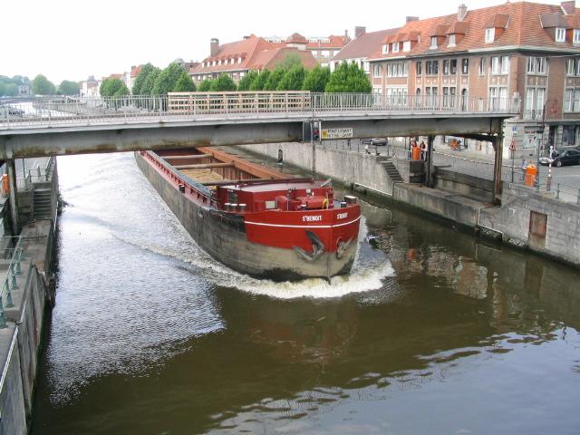 File:Tournai Pont levant Notre Dame 20040520-017.jpg