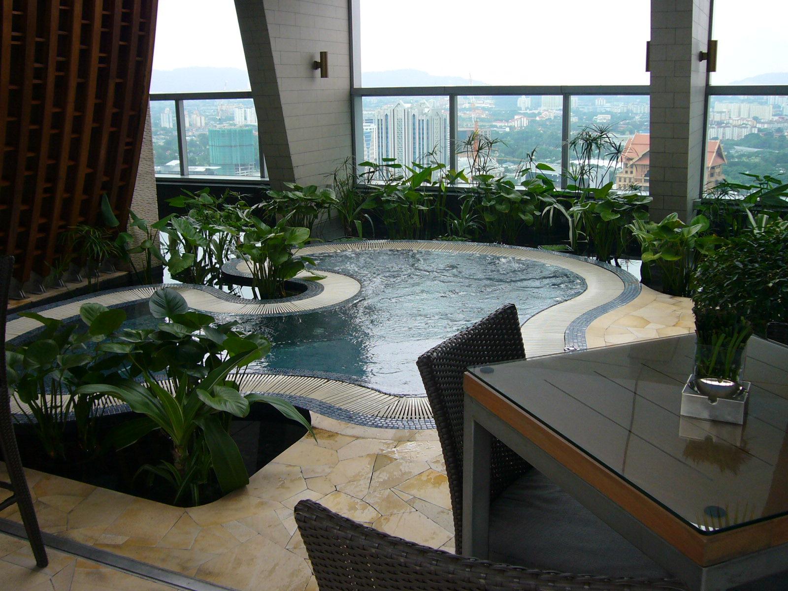 Traders Hotel By Shangri La