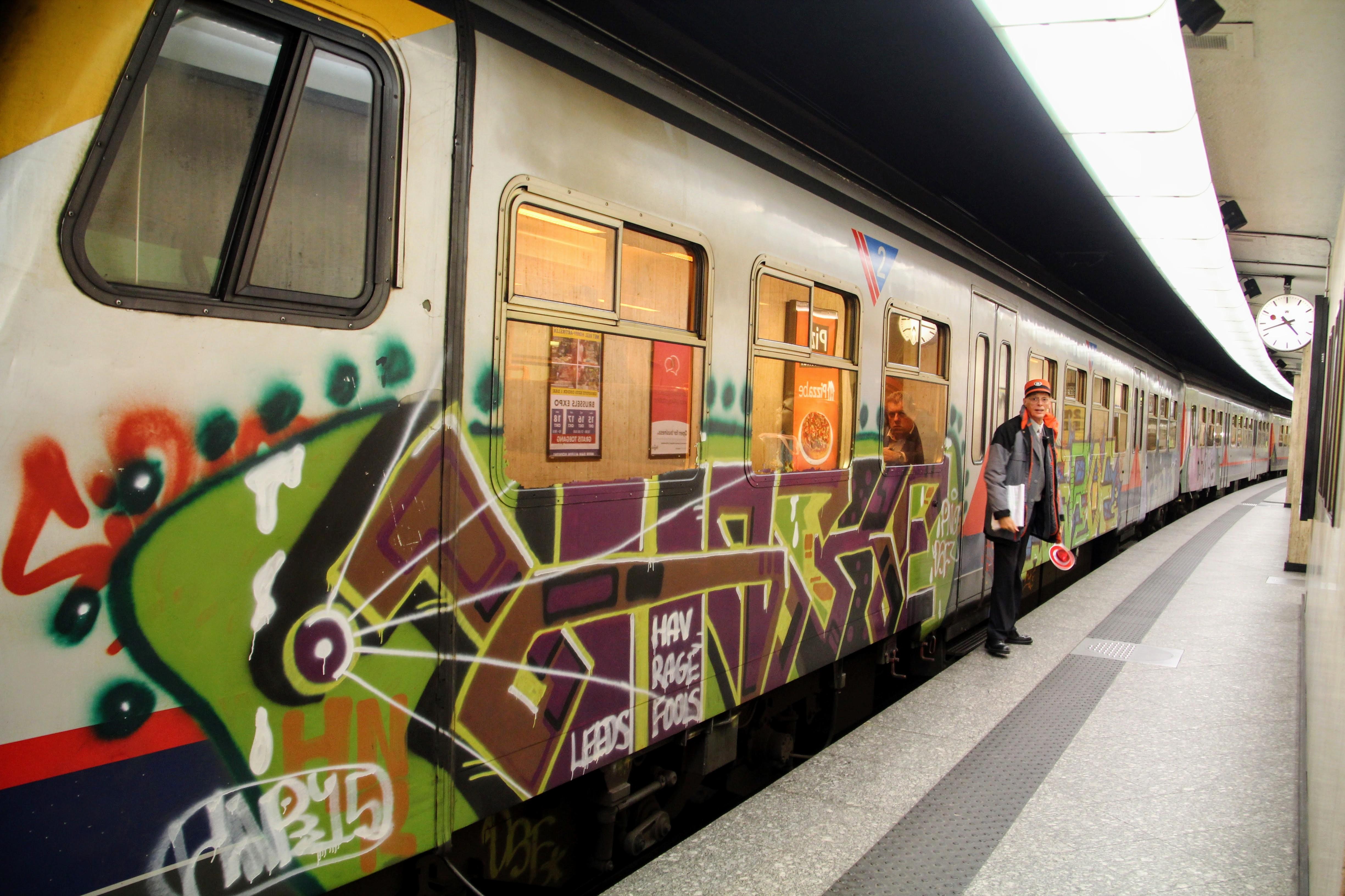Filetrain graffiti brussels jpg
