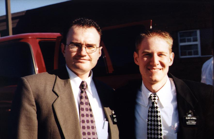 File:Two mormon missionaires.jpg - Wikimedia Commons