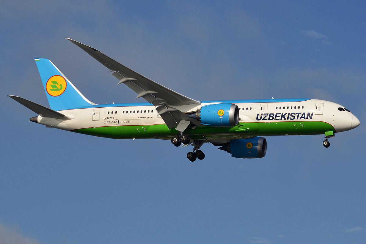Uzbekistan Airways, UK78703, Boeing 787-8 Dreamliner (32695581957).jpg