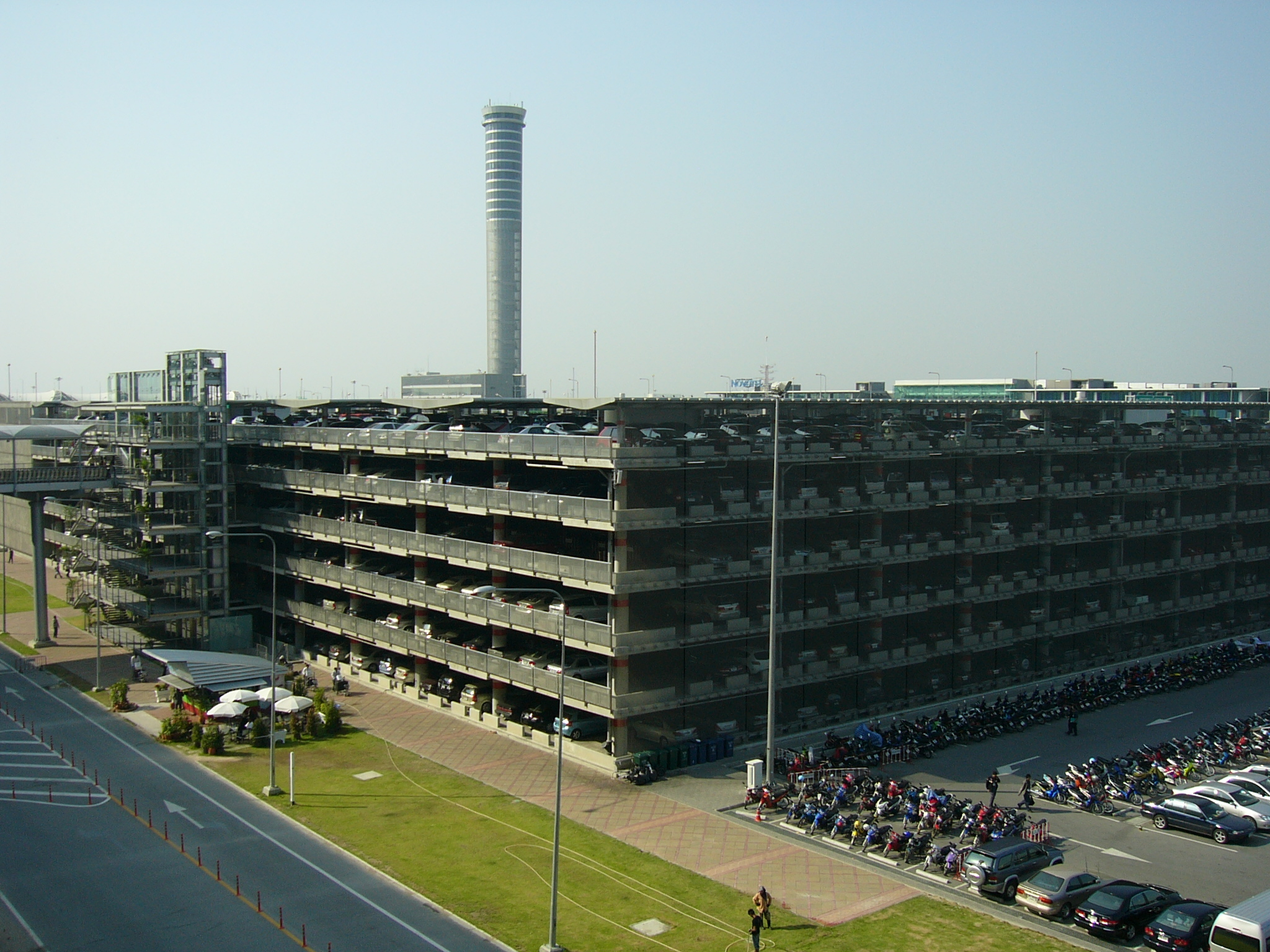 File:VTBS-Main Parking building.JPG - Wikimedia Commons