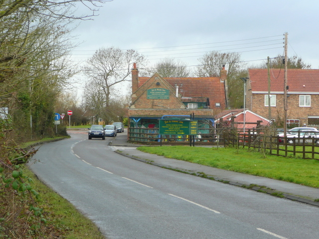 File:View to the Fox and Goose Inn - geograph.org.uk - 1127715.jpg