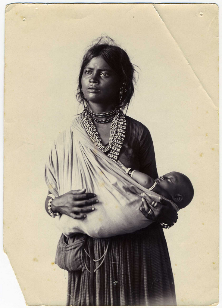 File:Vintage photograph of an Indian mother and child