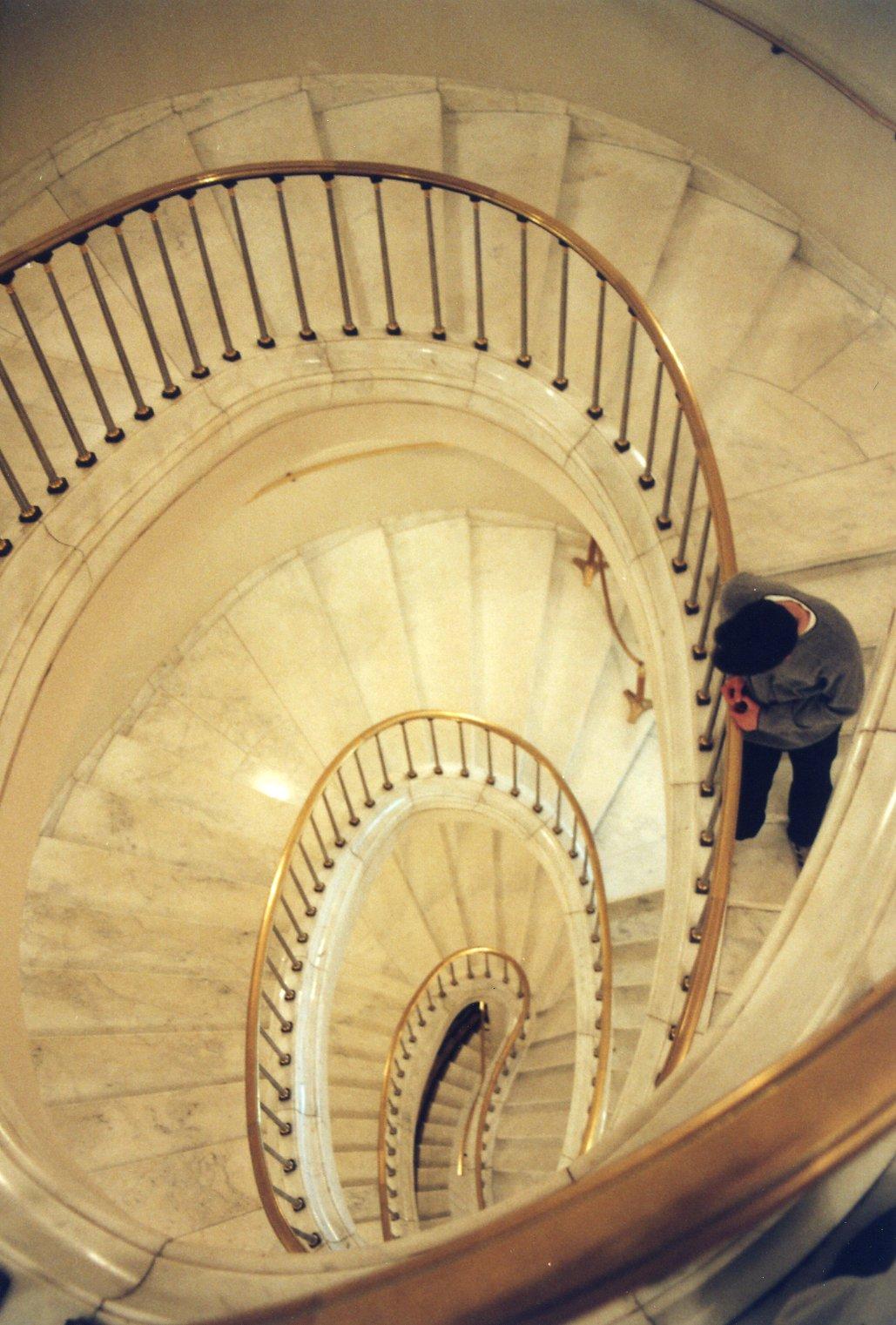 File Warsaw Royal Castle Spiral Staircase Jpg Wikimedia