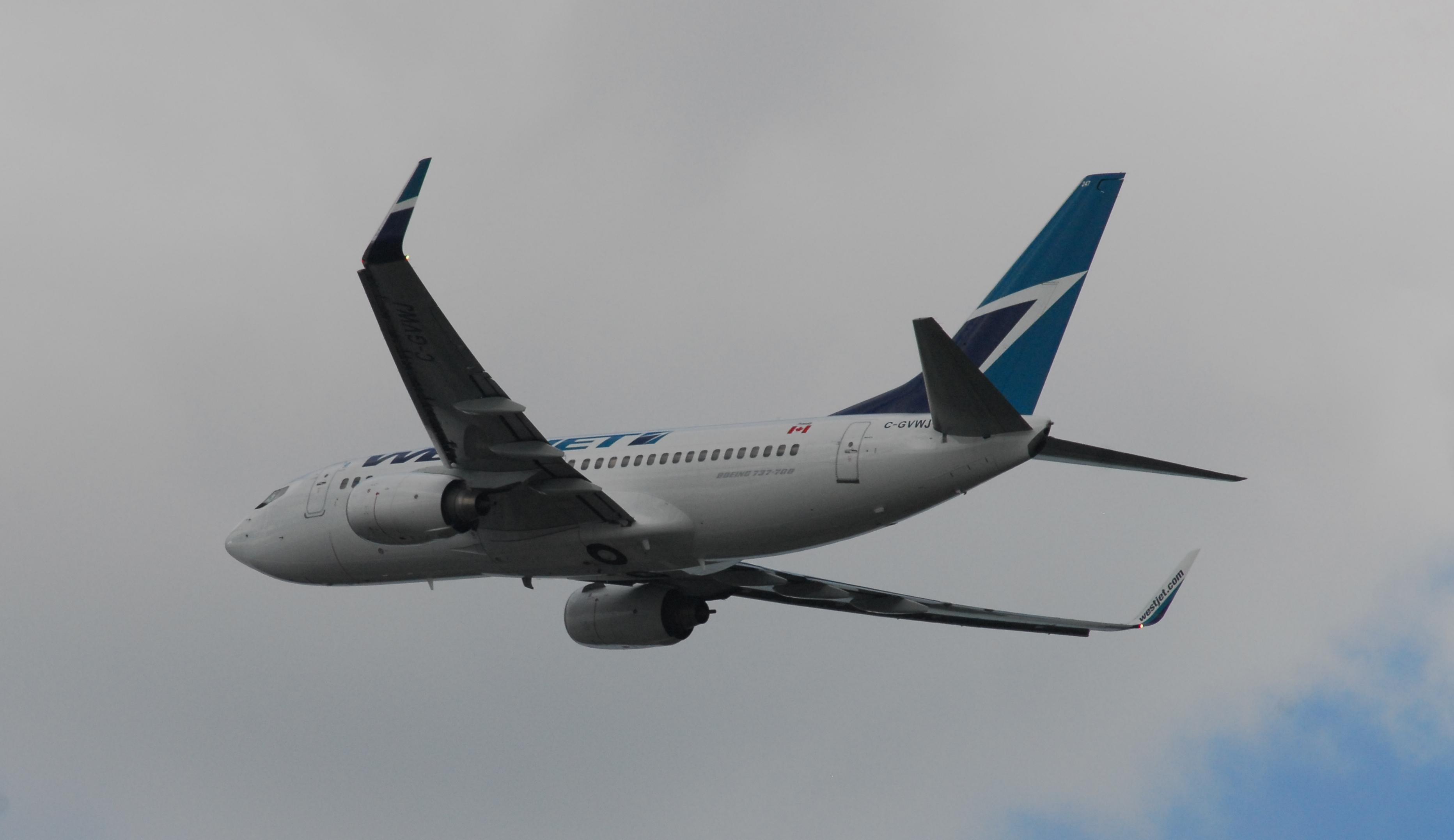 File:WestJet Boeing 737-7CT - C-GVWJ - Flight WS16 from