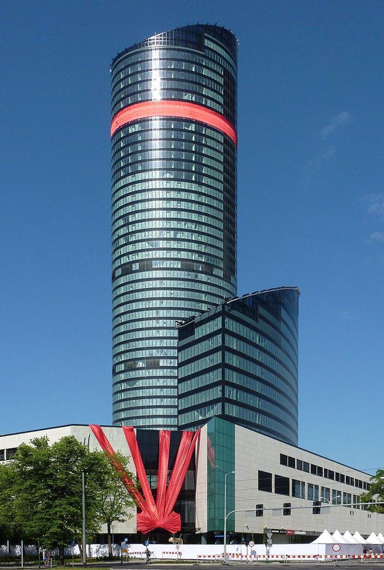 File:Wrocław, 2006 - 2012 - budowa Sky Tower - fotopolska ...   788 x 1169 jpeg 737kB