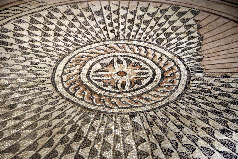 File 0417 museo archeologico di milano mosaico romano for Mosaico romano