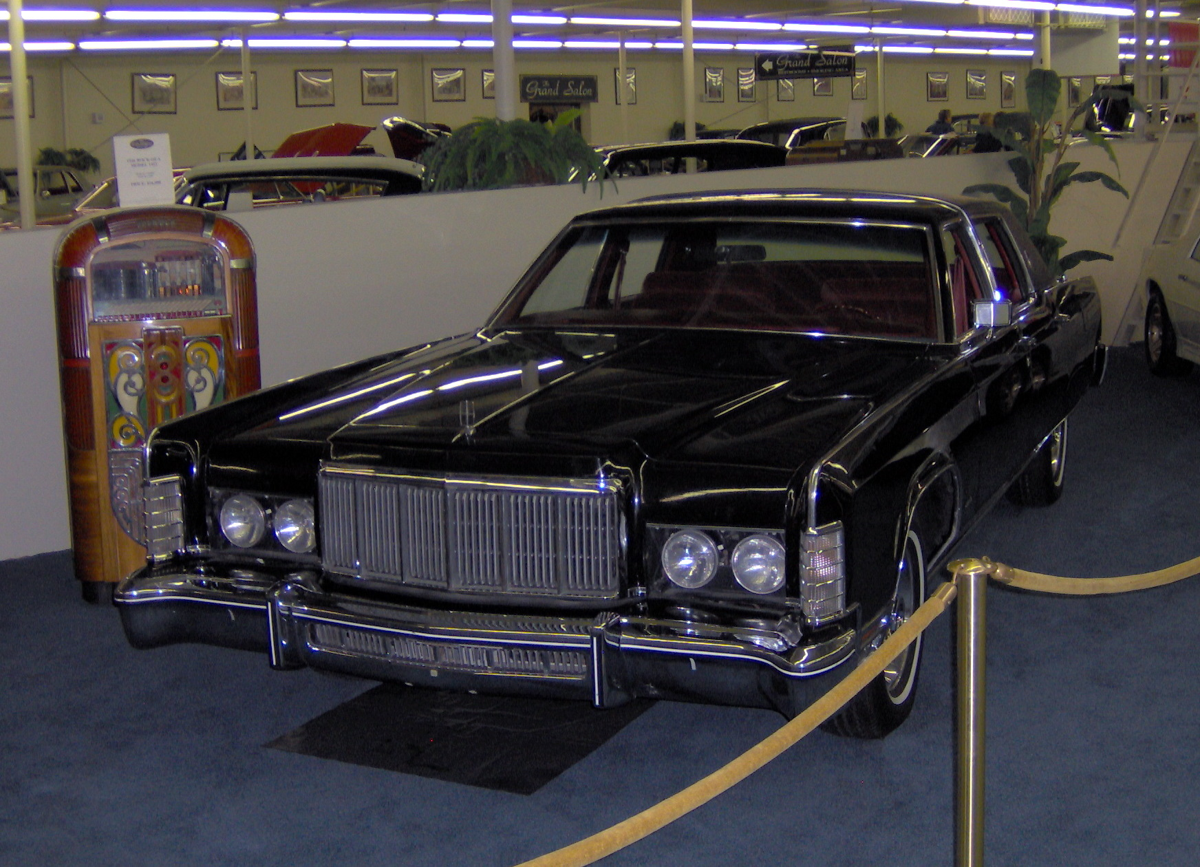 File 1976 Lincoln Town Car Jpg Wikimedia Commons